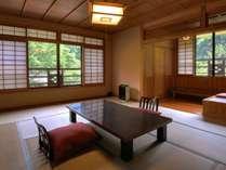 川沿い和室一例です。お部屋は全て趣が異なります。