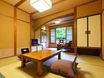 和室8畳のお部屋です。3名様までご案内しております。