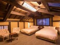 2階は寝室。2人だけの静かな夜をお過ごし下さい。