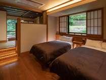 和洋室1間の一例です。奥に和室がございます。
