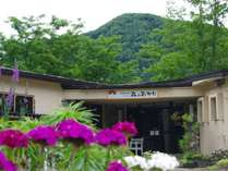 黒石温泉郷 森のあかり外観(6月撮影)2014年10月リニューアルオープン