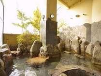 男女各大浴場には露天風呂とミストサウナを併設しています。