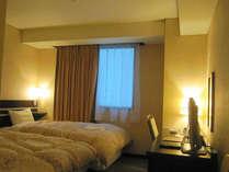 ■客室:スタンダードツイン20平米。全室サータ社仕様マットレスで快適♪