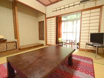 【客室一例/和室6畳+板間】我が家のようにゆっくりとお寛ぎください