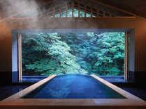 空中に浮かぶような紫葉客室露天風呂