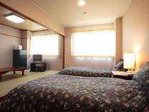 和室とツインベッドルーム2間の特別室