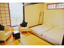 日本庭園を眺めることができる和室