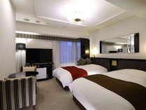 デラックスツインルーム(広さ 22㎡/ベッド幅 120cm×2台)