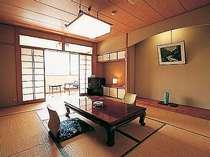 [写真]新館の和室一例、窓の外には稲生沢川