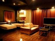 --LUXURYROOM--広さ65平米、開放的にお過ごしいただけます