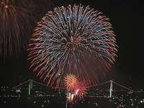毎年大歓声の上がる関門海峡花火大会♪圧倒的な迫力をお楽しみ下さい♪