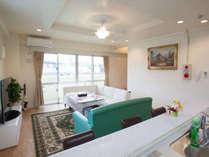 2階はリビング+対面式キッチン 各階42平米のゆったりサイズ
