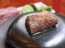 【料理】和牛ステーキ わさび醤油や酢橘、おろしなどでどうぞ(現在九州産を仕入れております)
