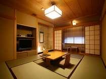 56平米の和室。基本に立ち返った清潔感のある純和風の客室です。