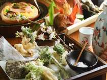 本館 個室お食事処「松庵」でいただく揚げたて天婦羅。サクサクの食感がたまりません。