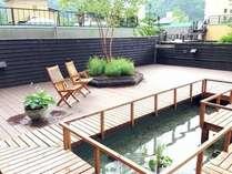 「定山渓第一寶亭留 翠山亭」庭園の「和散歩ガーデン」でお食事までの時間をゆったりお過ごしください。