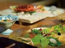 旬の食材を使用した和食懐石をお愉しみください(写真はイメージです)。