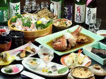 一品一品 丁寧に。網代漁港で毎日仕入れた旬の魚介類をふんだんに使った料理。