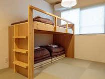 ロフトベッド1台 2~3名様用和洋室(バス・トイレ・洗面共用)