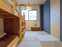 ロフトベッド2台 2~4名様用和洋室(バス・トイレ・洗面共用)