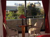 舞浜駅やディズニーランドホテルのパノラマヴューが自慢!お部屋の窓からの眺めは最高です。