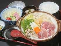 一人鍋プラン☆国産若鶏や豚バラ肉の他、海鮮等を使ったちょこっとお鍋プランです。