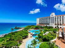 スパニッシュコロニアル建築様式の建物☆白亜のホテルに赤いスペイン瓦の異国情緒たっぷりのホテルです