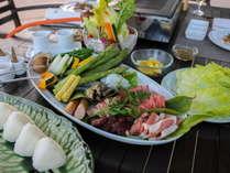 【夏のサンカラキュイジーヌ】~「ayana」「okas」「プールサイドBBQ」選べる夕食プラン~