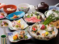 【季節の京会席料理・一例】旬の食材をふんだんに使ったお品書です。