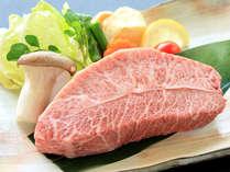 【ミスジ肉鉄板焼付会席】 極上の舌触りと、お肉の甘みをご堪能ください。