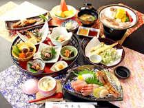 天然物の地魚や自家栽培の野菜地元産のお米など竹野ならではの食材が詰まった『海の幸づくし会席』