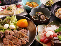 【夕食】特別に豪華なものではありませんが、土地のもの、旬の素材を活かし、心を込めてお作りしてます。