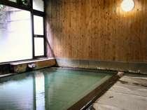内湯(殿)-湯畑源泉100%掛け流し天然温泉