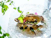 【夕食一例】グランデフルコース夏メニューより牡蠣料理一例