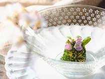 【夕食一例】グランデ-フルコース春メニューよりウニフラン