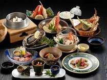 *1品追加のグレードUPお夕食一例:カニなどの釜飯、ほか地場産の山海の幸をふんだんに使ったメニュー。