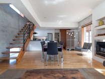 全フロアで36坪もあるコンクリート構造のモダンハウス