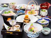 【ご夕食一例・春】地産地消にこだわった食材で、旬の味を多彩に使用!