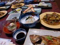 夕食例◆旬の魚介を中心とした和定食,お造り,煮魚、小鉢等、、、