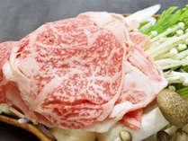 *[夕食一例]山形牛のすき焼き膳。甘い割り下とお肉の旨みが絶妙♪新鮮なお野菜や郷土料理も楽しめます。