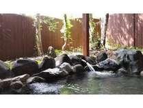 川の流れる音、森林浴をあじわえる手造り露天風呂!