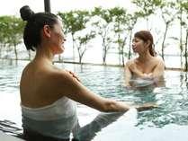 """""""美人の湯""""と呼ばれる温泉と絶景で贅沢な女子旅をお楽しみください。"""