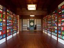 玄関の国旗折鶴