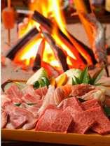 夕食は全て別邸母屋にて囲炉裏でのお食事になります。