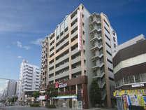 【外観】地下鉄大国町駅1番出口から徒歩5分(なんばから一駅)