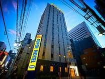 【スーパーホテル新宿歌舞伎町】外観(夜)