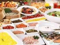 約30種類のお料理を揃えた朝食バイキング AM7:00~10:00