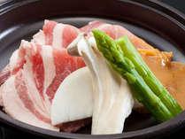 部屋食◆美味!牛にも勝る 地元長野県産豚肉会席で満腹満足