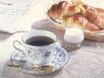 焼きたてパンと淹れたてコーヒーの香り豊かなひとときを。(2017年9月1日から)