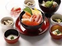 【朝食】味めぐり小鉢横丁・ご当地逸品と朝の彩り御膳